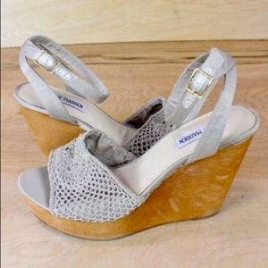 Steve Madden Crochet Wedge Sandals sz 7